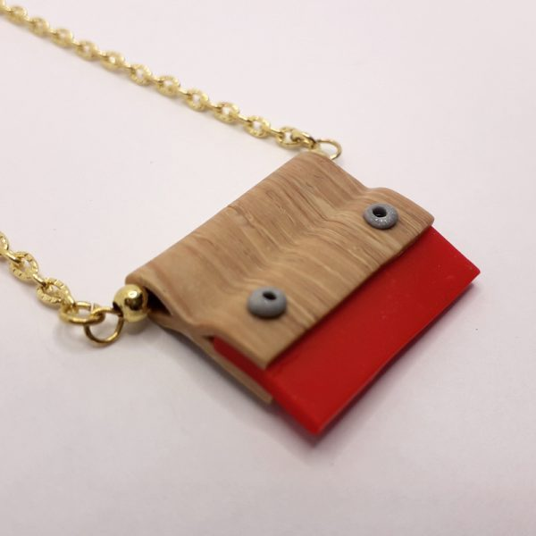 Necklace-squeegee-red-02
