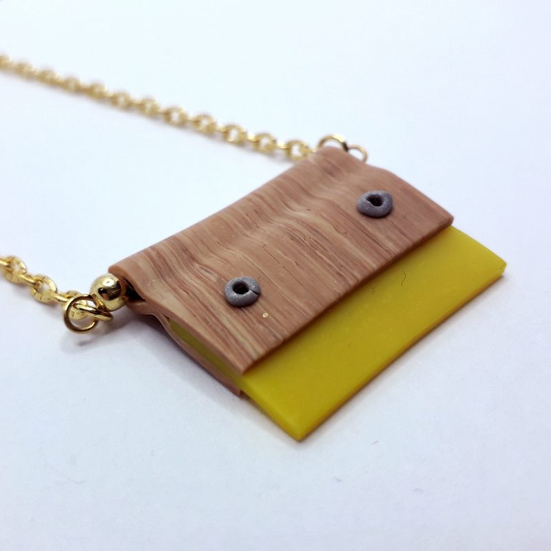 Necklace-squeegee-yellow-01