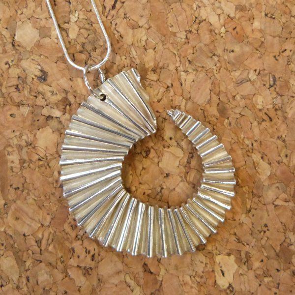 Silver 'purr' Pendant